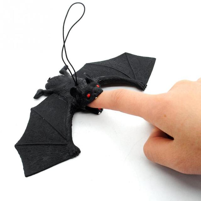 New Arrival Halloween Tricky Props Amusing Rubber Simulation Bat Wall Hanging Halloween Masquerade Party Decoration Supply