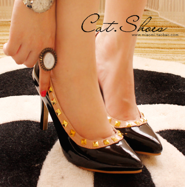 2013 spring rivet single shoes female women's shoes japanned leather shoes elegant pointed toe high-heeled shoes work shoes