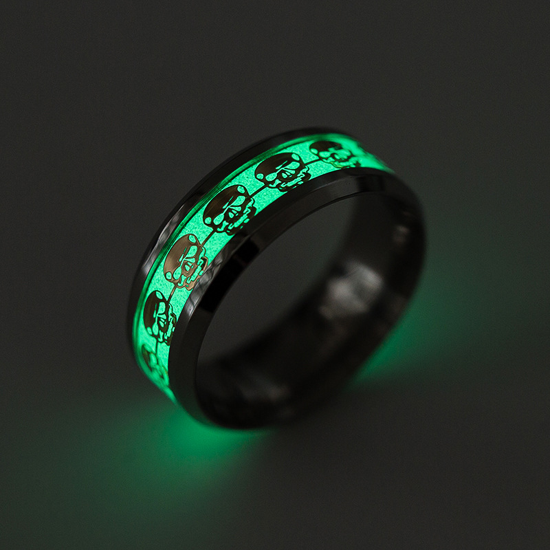 1 Pcs Punk Luminous Finger Rings for Men Gold Silver Glow In The Dark Skull Pattern Rings Stainless Steel Women Rings Jewelry