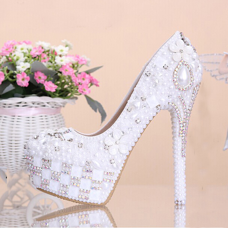 цена на Fashion Rhinestone Super High Heel Bridal Dress Shoes White Flower Pearl Crystal Wedding Shoes  Round Toe Wedding Ceremony Pumps