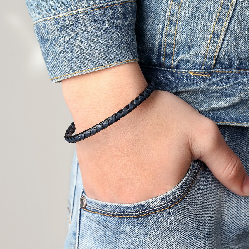 XQNI Stainless Steel Bracelet Men Genuine Leather Bracelets Simple Style Ladies Black Color Leather Bracelet for Women