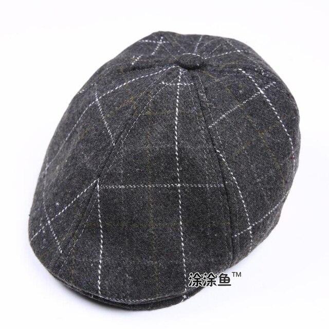 2017 Otoño Invierno Fieltro niños moda Boinas Plaid sombreros para niño y  niña sombrero y Cap 7950d2191a8