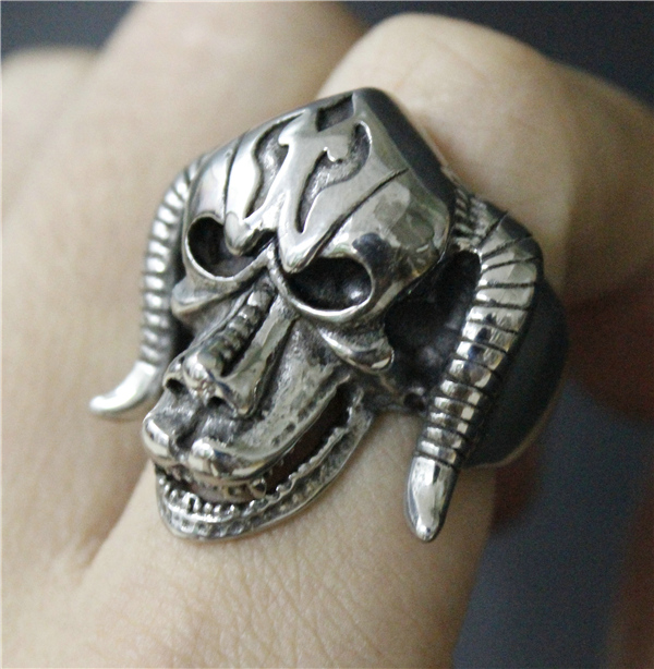 ac3b2ffca9045 US $4.91 18% OFF|Size 7 13 Cool Silver Goat Skull Ring 316L Stainless Steel  Man Heavy Bull Head Skull Ring-in Rings from Jewelry & Accessories on ...