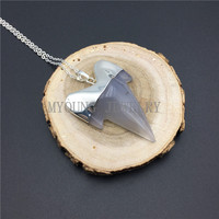 MY0905 Grey Agates Shark Teeth Pendant Necklace With Silver Color Chain