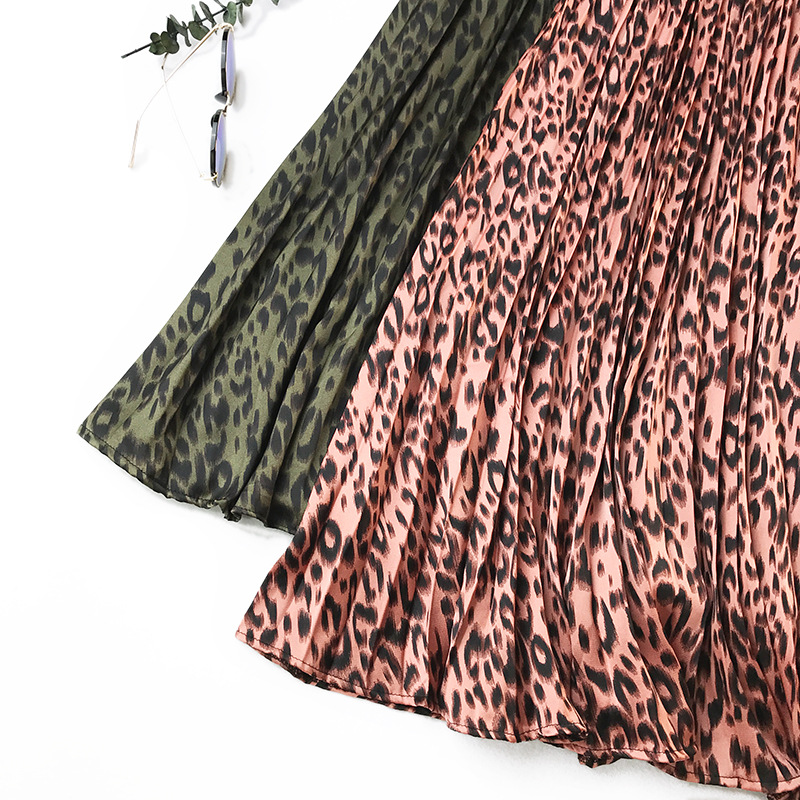 341 women skirts girl retro leopard pleated skirt female Slim floral ladies temperament big swing autumn 9