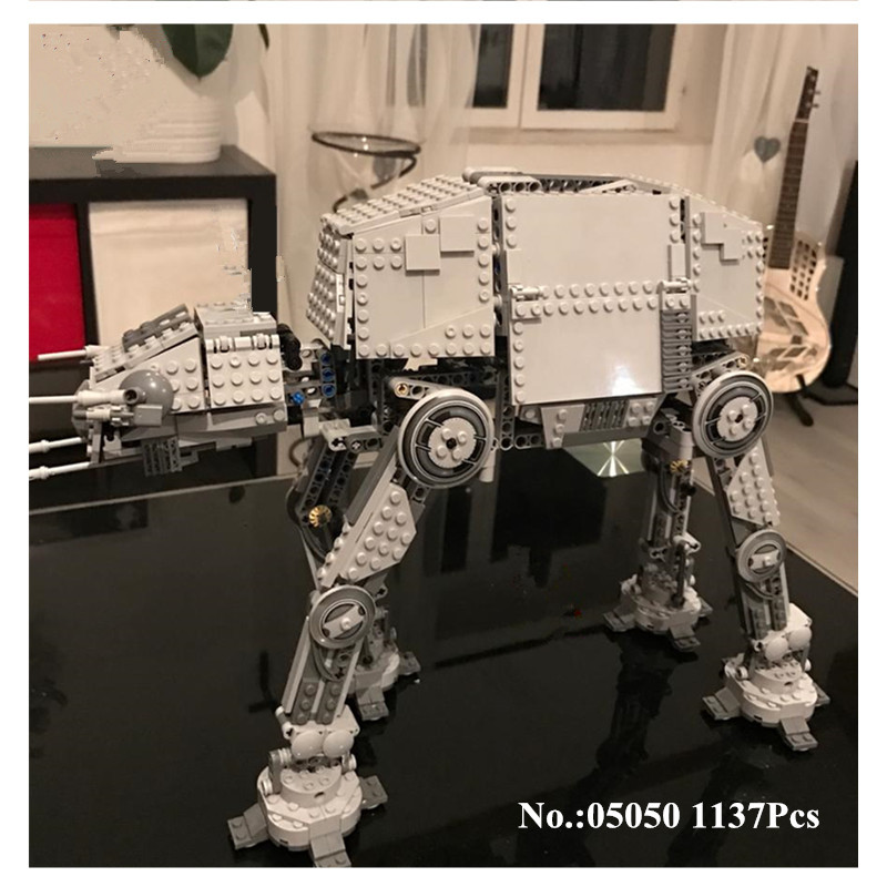 H&HXY IN STOCK 05050 Star 1137pcs Series Wars AT-AT the Robot Electric Remote Control Building Blocks Toys Compatible 75054 Gift