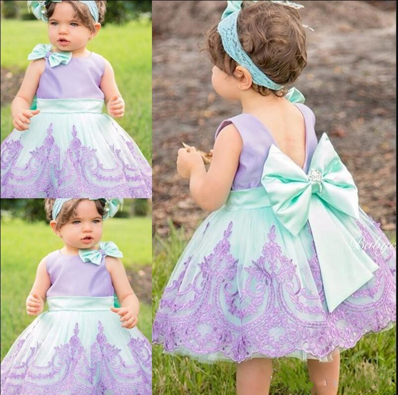 New Lovely Baby   Flower     Girls     Dress   with Lace Appliques O-neck Bow Sleeveless Customized   Girls   Birthday Party Gowns Knee-Length