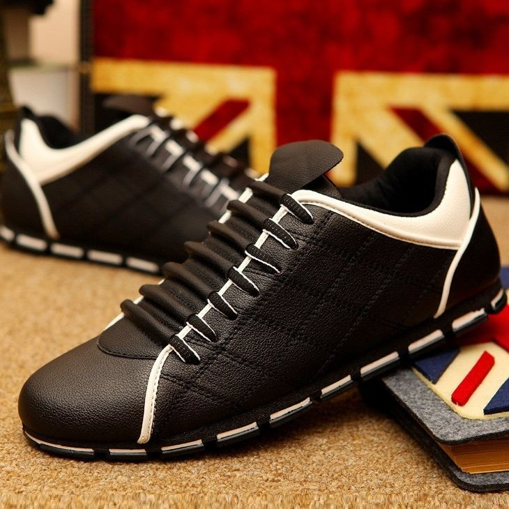 Men Flats Casual Loafers Driving Shoes PU leather Black Sneakers summer Breathable Male Shoes Chaussure Homme Size 38-45