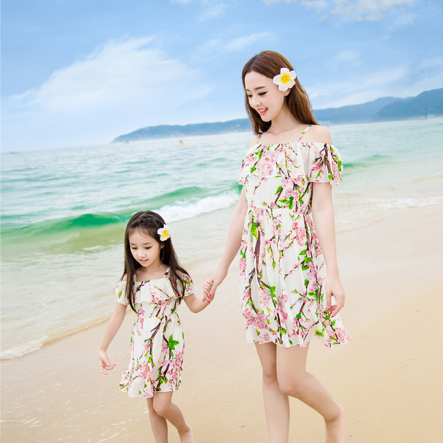 2017 summer matching mother daughter clothes seaside beach holiday princess dresses family look girl and mother dress
