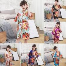 Дети девочки Цветочный принт шелк атласное кимоно; наряд халат для маленьких девочек короткий рукав модная одежда для сна, с поясом Летние пижамы