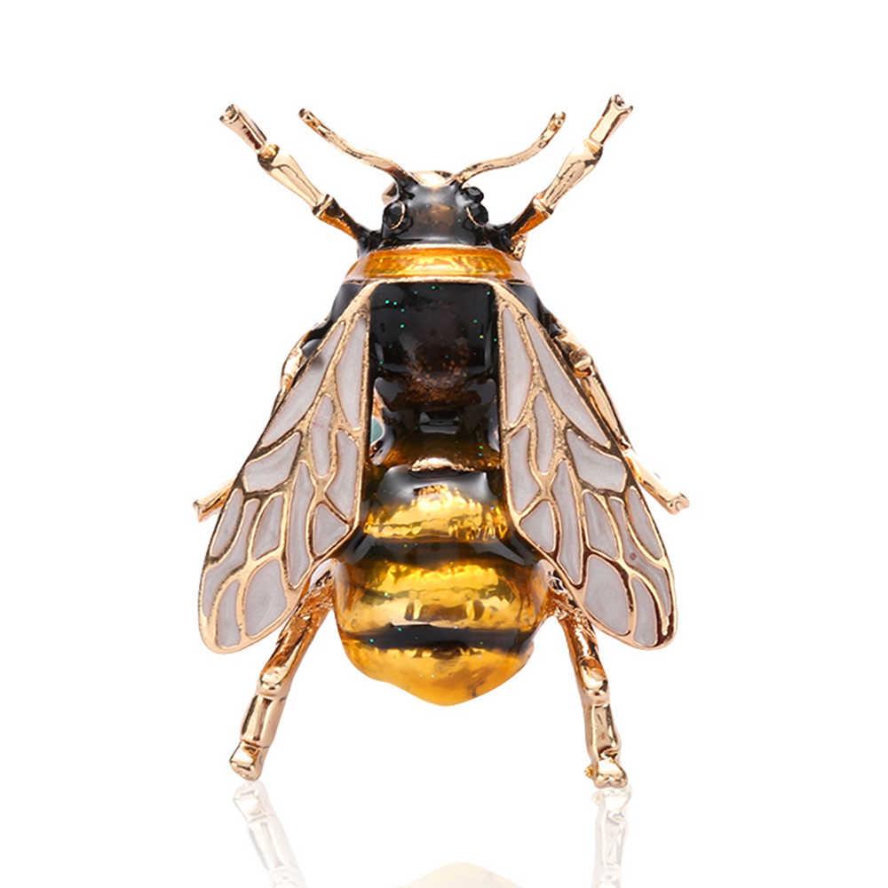 1 adet Vintage arı Metal broş böcek broş Pin kadınlar ve erkekler takı sevimli küçük Bumblebee rozetleri moda bez dekorları aksesuarları