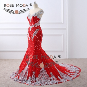 Image 2 - Rosa Moda di Lusso Fortemente In Rilievo Red Lace Mermaid Prom Dress con Schiena Nuda Handmade 3D Fiori Bottoni in Madreperla Partito Formale vestito