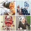 2017 un cap recién nacido otoño invierno bebé sombrero hecho punto bebé caliente tapas de Algodón muchachas de los bebés sombreros para el Niño Recién Nacido sombreros de Los Niños