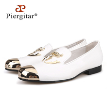 Piergitar 2019 Metal Toe and Metal Skull buckle Men casual shoes party and wedding mens loafers Patent leather somking slippers