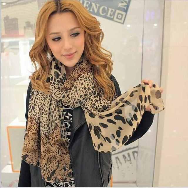 d230ab14a7 Chaude Femmes Pop Mousseline de Soie Wrap Stole Souple Imprimé Léopard  Écharpe De Mode Foulards Châle