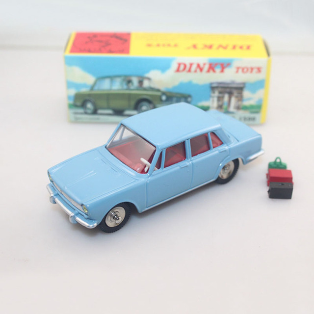 Atlas 1:43 Dinky TOYS 523 simca 1500 Opening boot coffre ouvrant et bagages