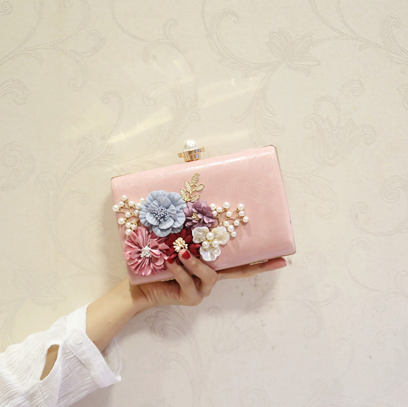 цена на New bag bright Korean fashion pearl flower hand small square bag oach mini dinner single shoulder diagonal package