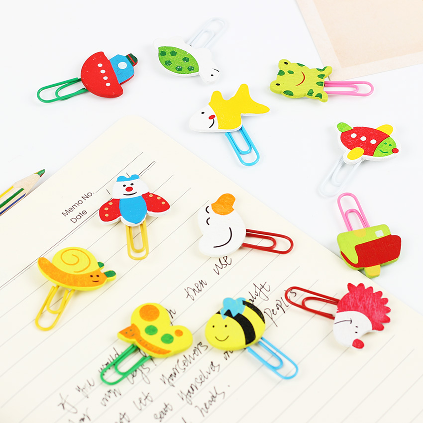 Купить с кэшбэком 12PCS/1 Set Cute Cartoon Animal Pattern Wooden Paper Note Clips Bookmark Paper Clip Stationery Learning Office Supplies