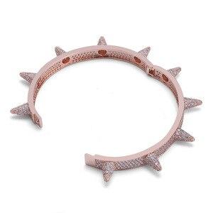 Image 5 - Luxus Iced Out Bling Cubic Zirkon Hüfte Hop Rose Gold Silber Farbe Niet Armbänder Spike Armreifen Geschenke für Männer Frauen