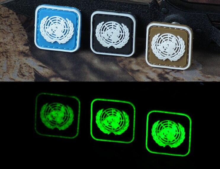 De las Naciones Unidas placa fluorescente 3D UN gancho que brillan en la oscuridad de táctica placa noctilucentes brazal de combate luminiscente placa 3 uds