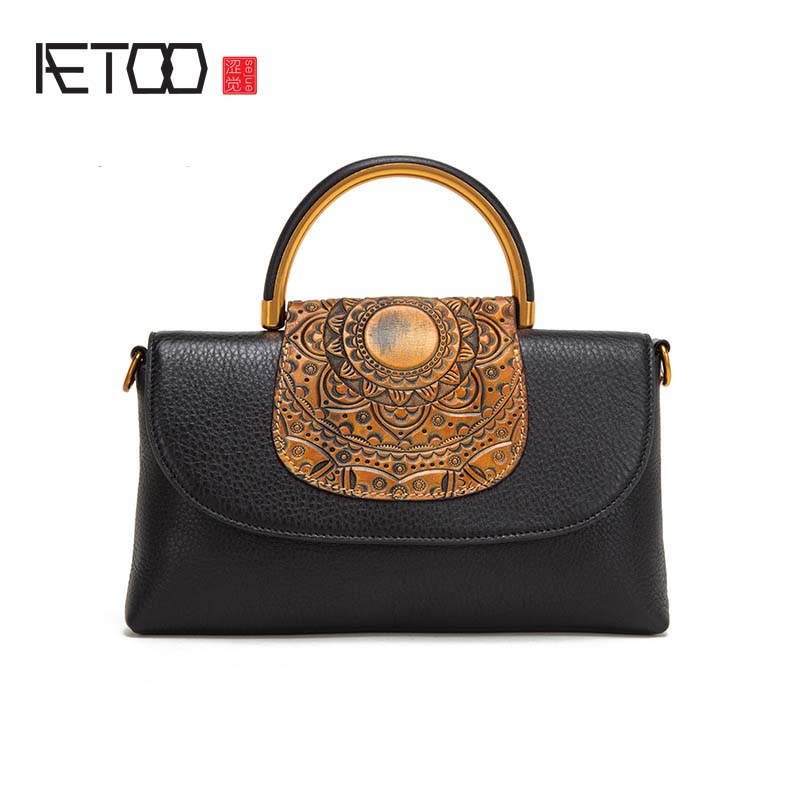 AETOO Retro leather handbag 2018 embossed new small bag Korean version of the shoulder women's handbag 2018 women s new handbags made of pu in korean version 3pcs handbag shoulder bag purse