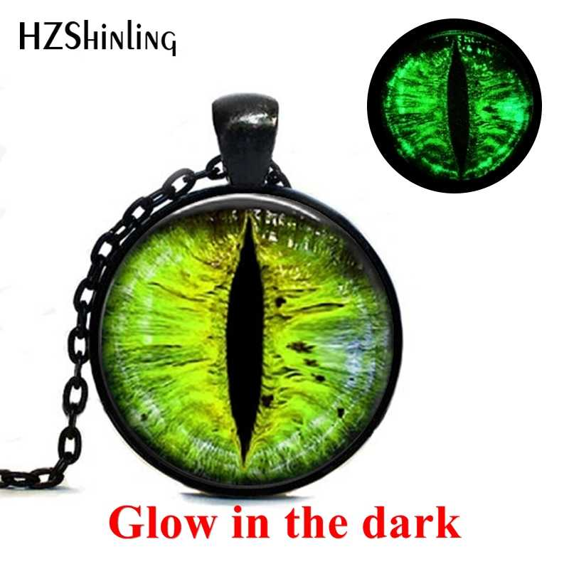 2019 New Vintage Punk Green Dragon Eyes Glowing Jewelry Pendants Color Dragon Eye Pendant Art Photo Glass Cabochon Necklace