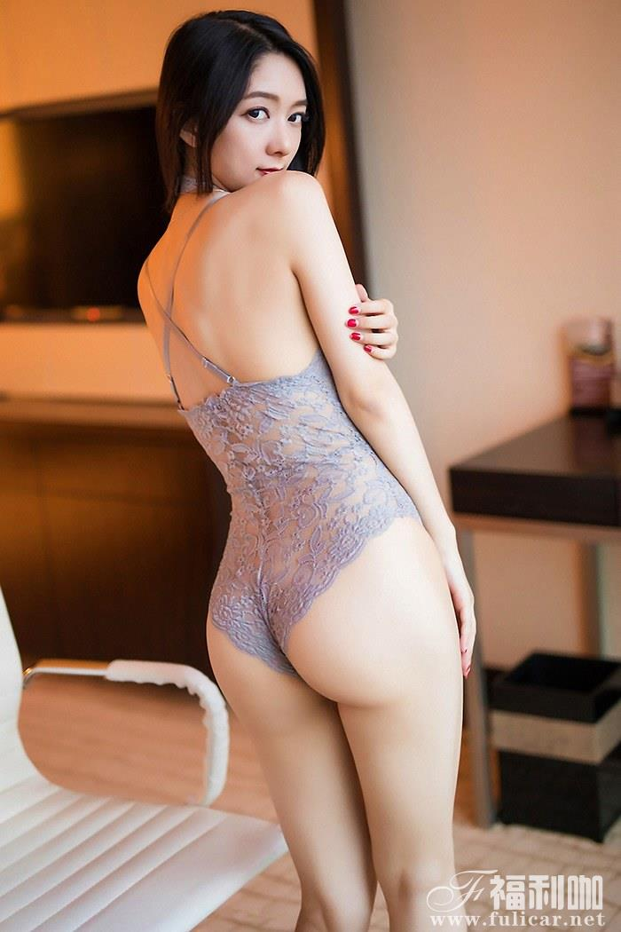 极品女仆小热巴高挑身材前凸后翘