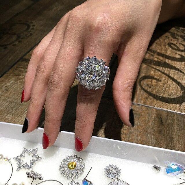 Женское кольцо из серебра 2019 пробы с крупным Цирконом