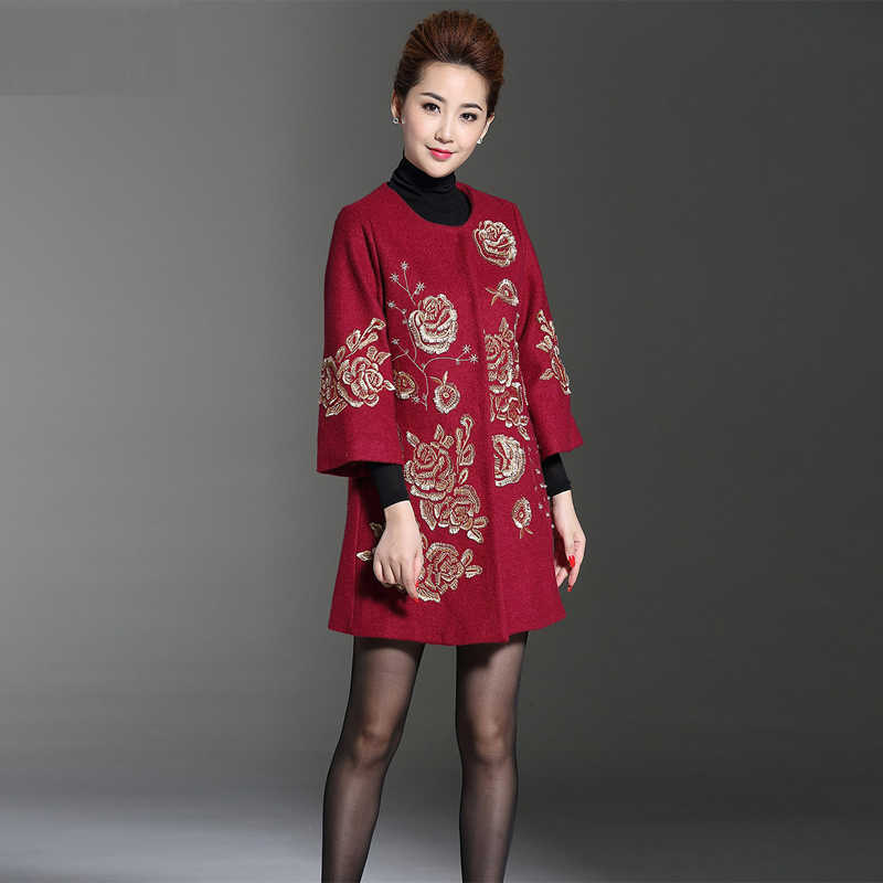 2017 New Arrival Women Autumn Winter Coat Fashion Floral  Embroidery Three Quarter Single Breasted Elegant Woolen Overcoat