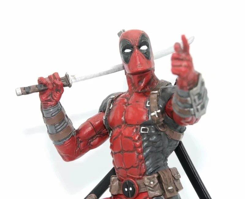 Deadpool Figure (6)