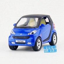 1:32 Skala/Diecast Model/Smart Fortwo SUV Sport Mobil/Pencahayaan & Musik/Mainan untuk anak-anak hadiah/Pendidikan Koleksi/Tarik kembali