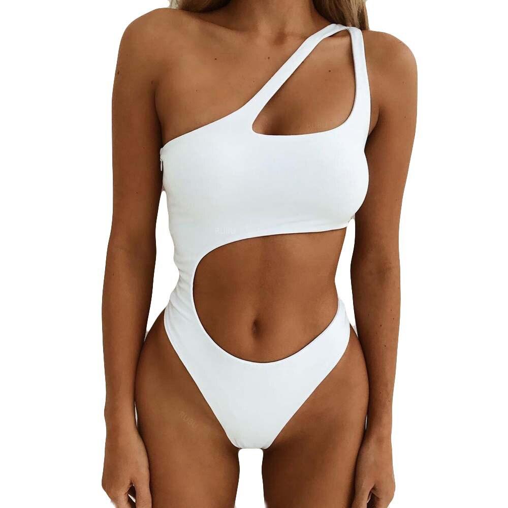 בגד ים מונקיני לבן בשביל מסיבת רווקות של הכלה לעתיד