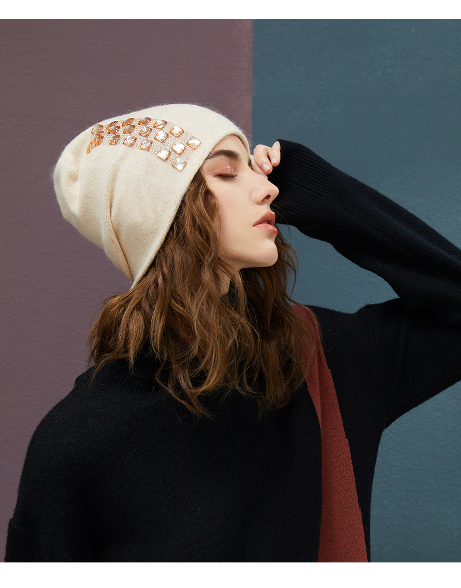 Women's Winter Beanies 2018 Stretchy Knitted Hat Flashing Glass Rhinestone Hat Female Cashmere Bonnets Elegant Warm Beanie Gorro (12)