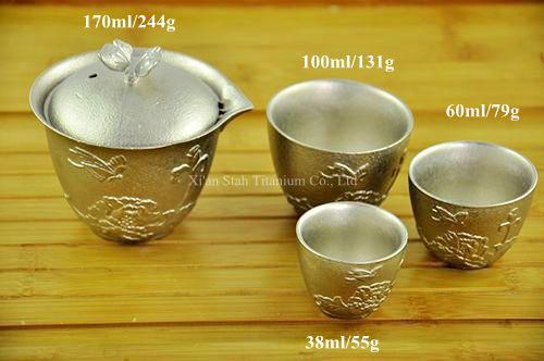 Titanio puro TA1 Casting Tazze da Tè Gruppo con Disegni Intagliati Elettrolitica Finitura Superficiale 4 pz/set 512g