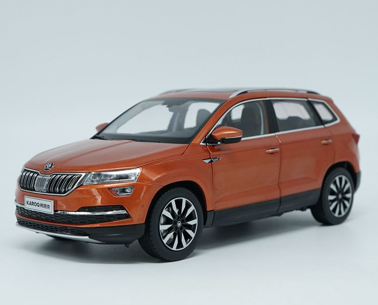 1:18 Diecast Model for Skoda KAROQ Sportline 2018 Orange SUV Alloy Toy Car Miniature Collection 1 18 diecast model for toyota gt86 orange coupe suv alloy toy car collection gifts gt 86