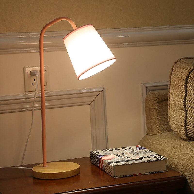 Nordic lampada da tavolo per la Camera Da Letto Studio camera dei bambini lampada da comodino casa coperta di lettura multi-colore Lampada Ombra E27 legno lampada da tavolo di base