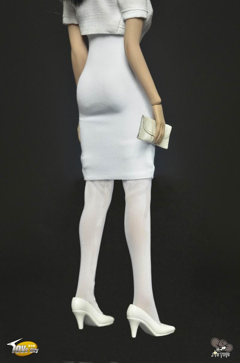 Toys City Female's Dress Set in Red Female Figure 1:6 Accessory TC-63001A