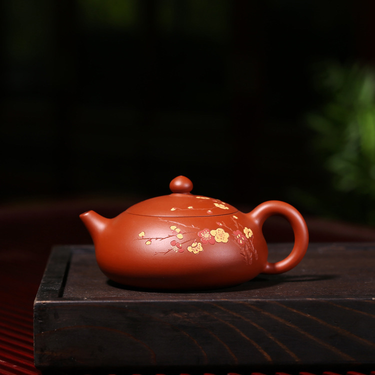 all over the world. Hand-made raw mineral Zhunimeihua fragrance comes from bitter cold to pot Kungfu tea ware giftsall over the world. Hand-made raw mineral Zhunimeihua fragrance comes from bitter cold to pot Kungfu tea ware gifts