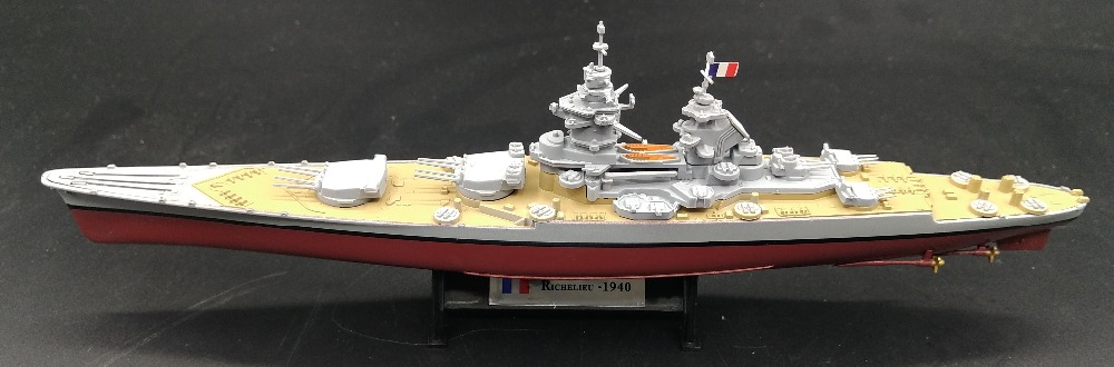 Fine Rare 1:1000 World War II France Battleship Of Richelieu Alloy Collection Warship Model Finished Decoration