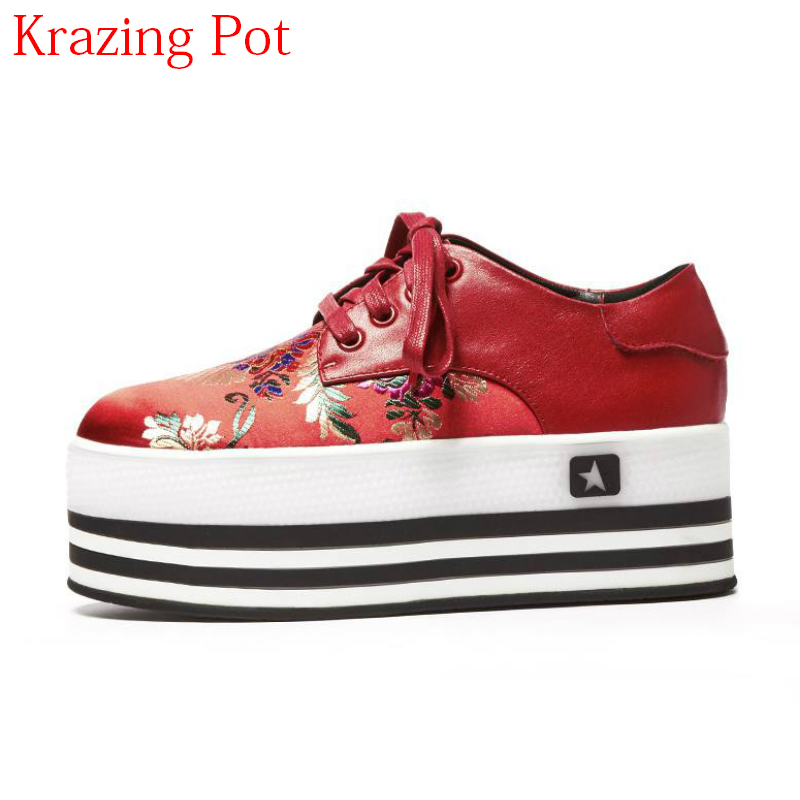 New Arrival Flower Embroidery Genuine Leather Flower Silk Lace Up Round Toe Sneaker Platform Causal Women Vulcanized Shoes L09 sportive women flower pattern embroidered white pu leather shoes lace up sneaker