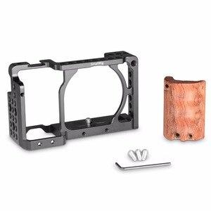 Image 4 - SmallRig dla sony a6000 akcesoria dla sony A6300 / A6000 / ILCE 6000 / ILCE 6300 klatka W/drewniany uchwyt podwójny aparat Rig   2082
