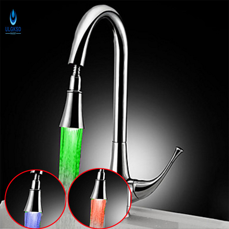 Ulgksd 2017 LED Kitchen Faucet Chrome Copper Pull Out Down SprayerDeck Mount Brass Kitchen Tap Sink Faucet With Mixer Water Taps china sanitary ware chrome wall mount thermostatic water tap water saver thermostatic shower faucet