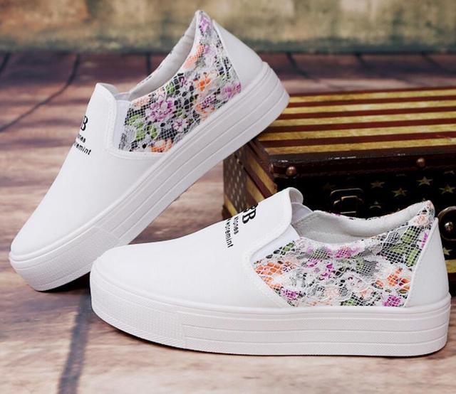 Zapatos de Lona florales Venta Caliente 2017 de Moda Apliques Slipony  Mujeres Aumento de la Altura 86a8459cc642