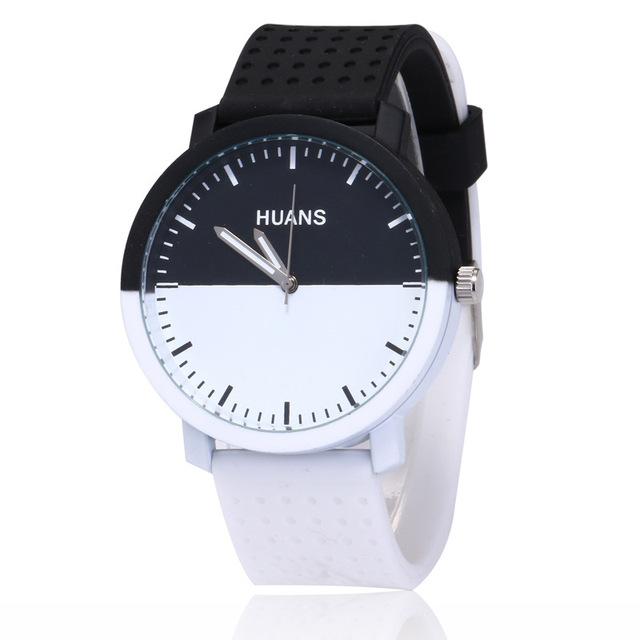 2018 New Fashion black and white silicone watch Men Women Lovers Dress Quartz Wr