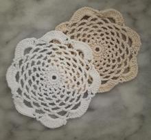 Modern Round Lace cotton table place mat dish pad Cloth crochet pot placemat cup mug wedding tea coaster handmade doily kitchen