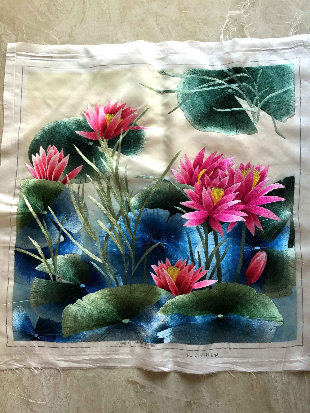 Handmade Pure Silk Embroidery Suzhou China Traditional Arts Decorations / Export to Japan High quality Gorgeous Adornments