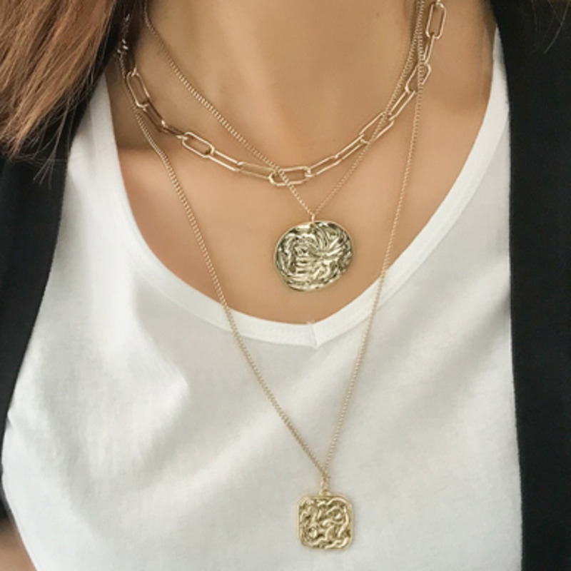 WKOUD EAM Jewelry / 2019 New Fashion Metal Portrait Round Pendant Multi-layer Necklace Temperament Women's Accessories S#N540