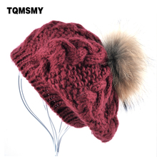 Nuevo gorro de Invierno para mujer boinas de punto de lana pompón boina de  piel de mapache Real sombreros para las mujeres b71d6c9cec8