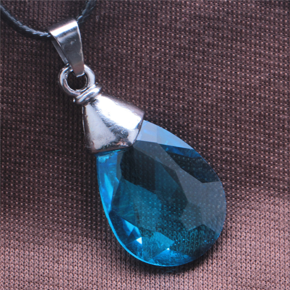 Sword art online blue crystal pendant necklace sword sao yui sword art online blue crystal pendant necklace sword sao yui necklace pendant of asunakirigayas yui light blue cosplay in pendants from jewelry aloadofball Images