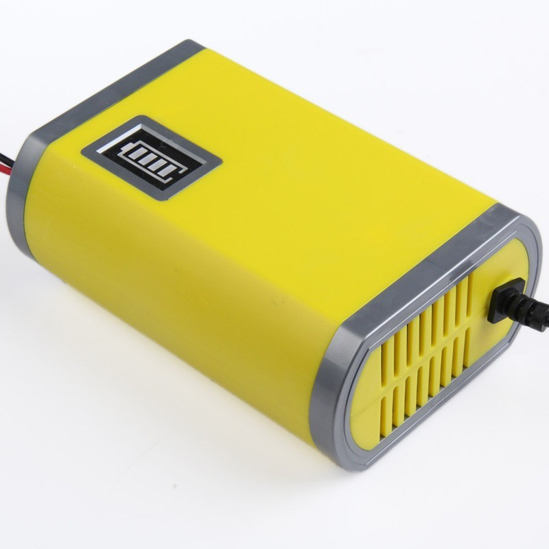 CAR-BATTERY-CHARGER-6A-04